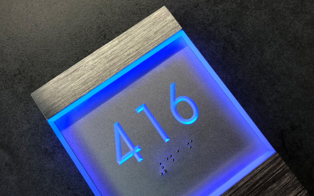 LUXELLO | LIGHTED CLEAR LED NUMBER SIGN PANEL + DOORBELL