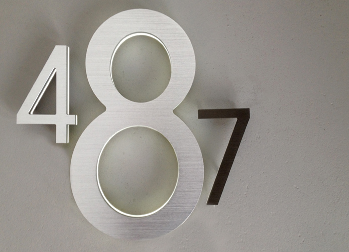 Modern 16 lighted led house numbers luxello for Number 16 house