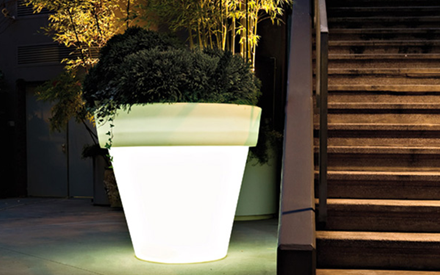 SERRALUNGA | VAS ILLUMINATED PLANTER