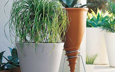 SERRALUNGA | NEW POT PLANTERS  34, 40, 50